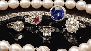west valley pawn pawn shop phoenix, an estate jewelry buyer phoenix residents stand by.